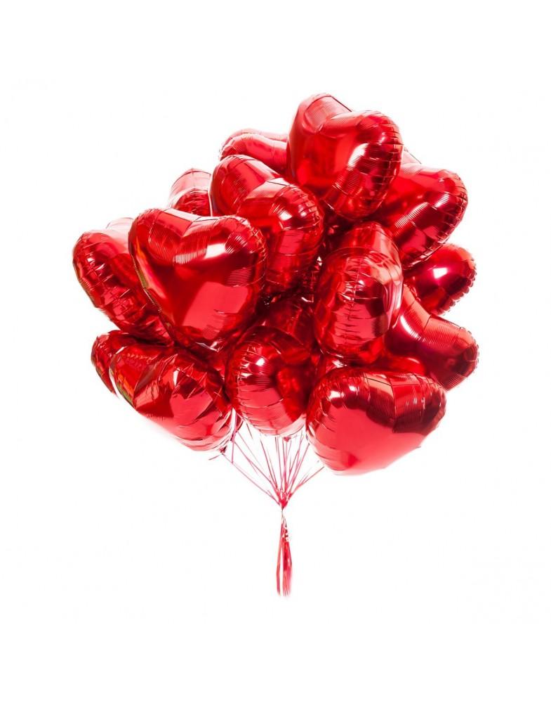 Связка красных фольгированных сердец