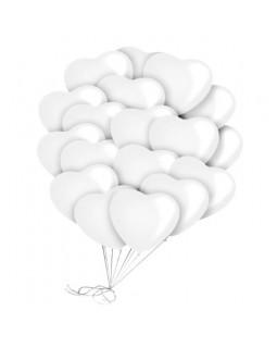 Связка белых латексных сердец